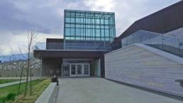 Entrée principale de la Bibliothèque du Boisé, Montréal