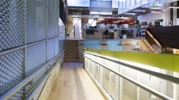 Rampe d'accès au coeur de la Bibliothèque Benny, Montréal